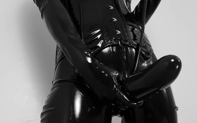Exquisite Perversionen für verwöhnte Männer.